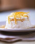 Cremet mit Ananas und Orangenzesten (Frankreich)