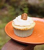 Dulce de Leche Cupcake with a Caramel Candy
