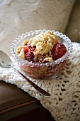 Crumble with plums