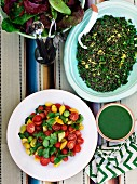 Tomatensalat, Grüne Soße, Grüne Linsensalat und Blattsalat