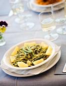 Trofie al pesto con fagiolini e patate (pasta with pesto and vegetables)