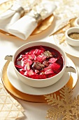 Beetroot soup with beef and noodles (Christmassy)