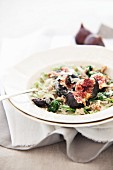 Spinach fettuccine with spinach, figs and Gorgonzola
