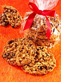 Oat and raisin biscuits as gifts