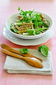Asparagus salad with penne and rocket