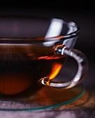 Tee in einer Glastasse