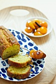 Pistachio cake with apricots