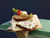 Whole grain bread with quark