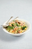 Farfalle with smoked salmon, broccoli and cream sauce
