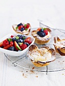 Quark tartlet with berries