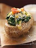 Double Baked Potatoe mit Käse und Spinat