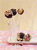 Cake pops with almonds and cherries