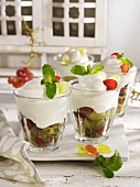 Yoghurt mousse with grapes and mint