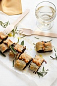 Strudel al radicchio (strudel filled with radicchio, sage, rosemary and pancetta)