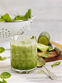 Spinach and cucumber drink with melon