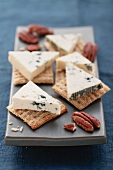 Blue cheese, crackers and pecan nuts