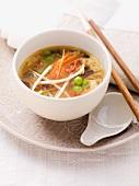 Gemüsesuppe mit Ei (Asien)