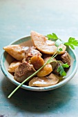 Veal tagine with quinces