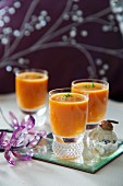 Red pepper drinks for Christmas dinner