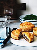 Puff pastry pies with duck and goat's cheese