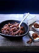 Garlic and date chutney