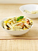 Penne pasta with chicken and peppers