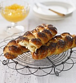 Small plaited poppy-seed loaves
