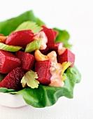 Rote-Bete-Salat mit Sellerie und Cocktailsauce