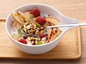 Muesli with fruits and roasted nuts