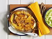 Janssons Frestelse (Auflauf mit Kartoffeln, Zwiebeln und Anchovis, Schweden)