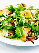 Autumn salad with pears, walnuts and Stilton