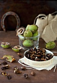 Shelled and unshelled walnuts