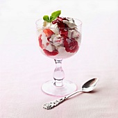 Eton Mess (strawberry and meringue dessert, England)