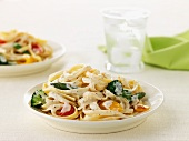 Tagliatelle alfredo with vegetables