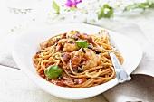 Spaghetti with king prawns and tomato sauce