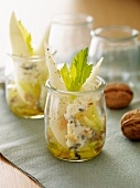 Pear salad with Roquefort and walnuts