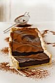 Chocolate tart with cardamom