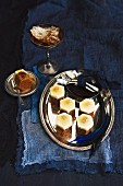 Spiced tartlets with honey