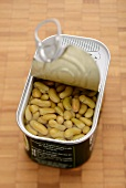 Flageolet beans in a tin