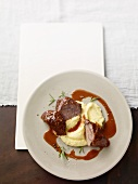 Braised veal cheeks with mashed potatoes