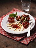 Rustic bread salad with soft cheese and marmalade