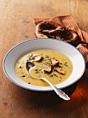 Cheese soup with soft prezels