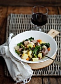 'Pichelsteiner' stew with green cabbage