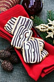 'Tiger Look' black and white cookies