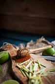 Honey Dipper with Honey, Lime and Lemongrass