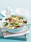 Noodle salad with tuna and egg