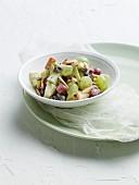 Traube-Apfel-Salat mit Joghurt- Honig-Dressing