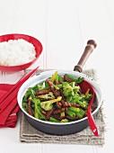 Rindergeschnetzeltes mit Brokkoli, Reisbeilage