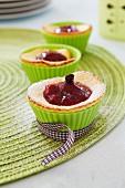 Vanille-Quark-Muffin mit Kirschfüllung