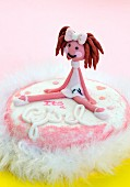 A cake to celebrate the birth of a girl